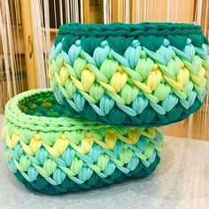 "545 Likes, 11 Comments - Elisa (@fiosdemalha) on Instagram: ""Lindas! Por @btl__home . . #Trapilho #fiosdemalha #fiodemalha #crochetaddict #handmade…"""