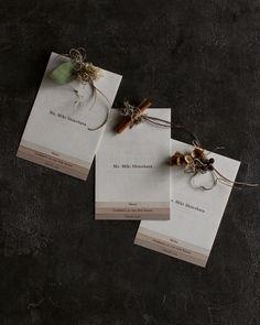 席次表&メニュー 4枚セット Menu Design, Table Cards, Wedding Paper, Paper Goods, Gift Wrapping, Place Card Holders, Invitations, Projects, How To Make