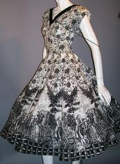 I wish it was 50's, just for this dress alone. Toile pattern is a little busy for a dress, but still SO pretty.