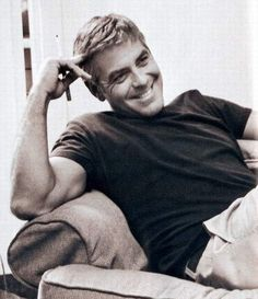 george clooney - so handsome Gorgeous Men, Beautiful People, Nice People, He's Beautiful, Beautiful Person, George Clooney Images, Good Looking Men, Famous Faces, Perfect Man