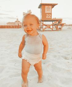Summer Baby Pictures, Cute Baby Pictures, Cute Baby Girl Outfits, Toddler Outfits, Kids Outfits, Cute Little Baby, Mom And Baby, Cute Kids, Cute Babies