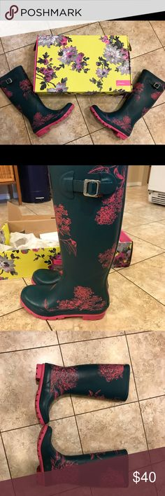 Joules rain boots size 8 Joules wellies, rain boots. Pine hydrangea print size 8. Worn a few times but like new condition with box. Pictures show all sides. Joules Shoes Winter & Rain Boots