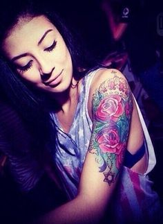 quarter sleeve tattoo more sleeve tattoo dream tattoo rose tattoos . Tattoo Girls, Girls With Sleeve Tattoos, Tattoo Designs For Girls, Time Tattoos, Hot Tattoos, Piercing Tattoo, Tattoo Ink, Arm Tattoo, Piercings