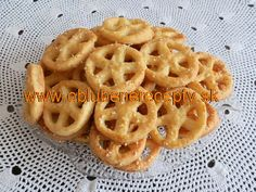 Slané koláče Macaroni And Cheese, Waffles, Breakfast, Ethnic Recipes, Food, Morning Coffee, Mac And Cheese, Meals, Waffle