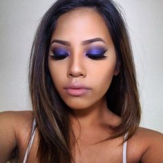Dark purple smokey eye using Urban Decay's eyeshadow in fishnet which is a light purple with pink reflective shimmer in it. I used a black eyeshadow base to get a darker shade of purple! Purple Makeup Looks, Pink Eyeshadow Look, Purple Eye Makeup, Eyeshadow Base, Smokey Eye Makeup, Makeup Eyeshadow, Neutral Eye Makeup, Bright Eye Makeup, Subtle Makeup