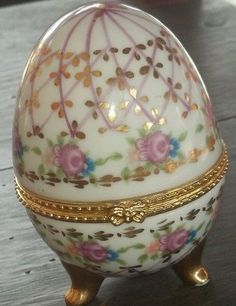 Shabby Chic decor floral hinged footed porcelain egg trinket box. Pretty!