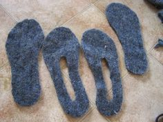 A Handmade Life: Felted Sweater Slippers Felted Slippers Pattern, Felt Slippers, Felt Shoes, Recycled Sweaters, Old Sweater, Fabric Yarn, Felting Tutorials, Wool Applique, Wool Felt