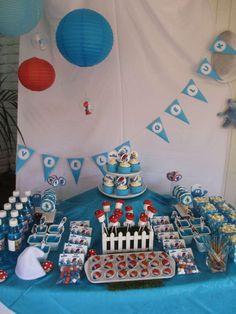 Liam's first Smurf birthday | CatchMyParty.com