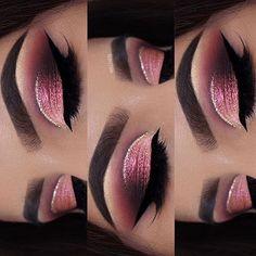 Love @ayeeshabx ❤️ @ayeeshabx #eyeKandy #eyekandycosmetics #glitter #glittermakeup #makeupguru #beautyguru #beauty #makeupartist #mua #motd #cutcrease #makeupmafia. #beatface #blendthatshit #makeuptalk #beautiful #makeup #100daysofmakeup #vegasnay #wakeupandmakeup #musthave #instalooks #instamakeup #ilovemacgirls #instamakeup #makeup #makeupoftheday #instalooks #fabulous #fabulousmakeup #iwantthis #instabeauty #motd