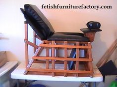 Queening Chair, Queening Throne, Queening Stool, Face Sitting, Smothering Box, BDSM, FemDom