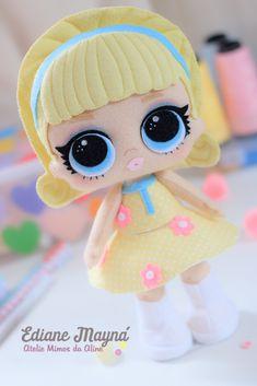 Apostila Digital Bonecas LOL Série confett Pop Apostila Digital em formato PDF Conteúdo : - Dicas para iniciantes; - Costuradas a mão; - Material principal: Feltro; - Passo a passo com fotos de 5 bonecas da série 03 Confett Pop ; - Moldes digitalizados em tamanhos reais de 30cm prontos... Lol Dolls, Cute Dolls, Doll Crafts, Diy Doll, Lol Doll Cake, Fox Toys, Homemade Dolls, Felt Fairy, Felt Quiet Books