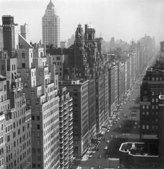 1953: A view of neatly arranged office and apartment blocks along Park Avenue in New York City. (Photo by Slim Aarons/Getty Images)