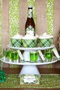 FREE St. Patrick's Day Party Printables from MJ Paperie  #freeprintables #stpatricks