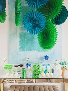 Your guests will be green with envy over this fabulous party décor.