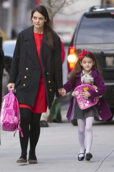 Suri Cruise Takes Her Hello Kitty Backpack To School With Mom Katie Holmes