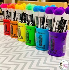 67 Best Classroom Setup Ideas for Back to School - Chaylor & Mads - - The best classroom setup ideas to get your class ready for back to school inlcluding ideas for a teacher toolbox plus, find out how to get free classroom printables. Classroom Hacks, New Classroom, Classroom Themes, Kindergarten Classroom Setup, Teacher Classroom Decorations, Classroom Environment, Classroom Design, Classroom Libraries, Classroom Pictures