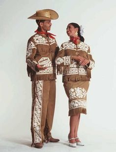Traditional Folkloric Customs from the State of Tamaulipas. Mexican Costume, Mexican Outfit, Mexican Dresses, Folk Costume, Traditional Mexican Dress, Traditional Dresses, Mexican Heritage, Mexico Culture, Mexican Art