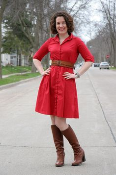 Oh! That DRESS! And those BOOTS! And the BELT! Is there anything wrong with her outfit? No, I don't think so,
