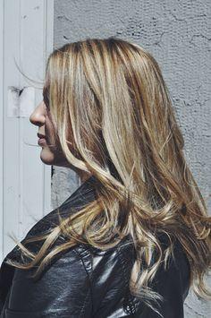www.healthyhair.fi #healthyhairfinland #blonde #blondehair #surflook #highlights #hair