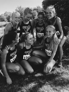 Cross Country Pictures, Cross Country Shirts, Cross Country Running, Running Track, Running Workouts, Running Tips, Cute Friend Pictures, Best Friend Pictures, Cross Country Motivation