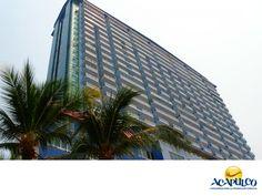 #informaciondeacapulco Oceanic 2000, el edificio más alto de Acapulco. INFORMACIÓN DE ACAPULCO. El Oceanic 2000 es un rascacielos de Acapulco, ubicado sobre la avenida Costera Miguel Alemán. Se trata de un edificio de condominios y es la construcción más alta en toda la ciudad con unos 123 metros de altura y 33 pisos. Durante tus próximas vacaciones en el paradisiaco Puerto de Acapulco, te invitamos a disfrutar de todos sus atractivos. www.fidetur.guerrero.gob.mx