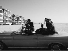 sweater weather, the neighbourhood, and black and white image Jesse Rutherford, The Neighbourhood, Kinds Of Music, Music Is Life, To Youtube, California Surf, Pop Rock, Indie Music, Sweater Weather