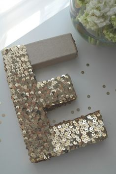 Glam #Monogram Tutorial // CatchMyParty.com- #DIY #Sequin