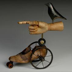 Mark Orr or what? Sculpture Metal, Mixed Media Sculpture, Found Object Art, Found Art, Arte Steampunk, Shoe Molding, Arte Robot, Art Antique, Art Brut