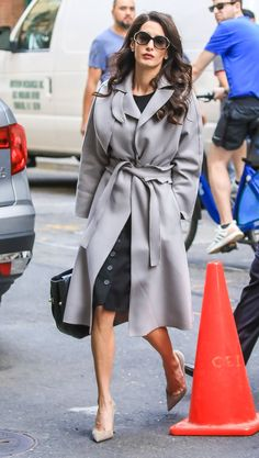 Amal Clooney Is the Ultimate Badass Babe in This Gray Ruffled Trench Coat Grey Trench Coat, Trench Coat Outfit, Grey Fashion, Star Fashion, Jessica Jung Fashion, Pantone, Tailored Coat, Amal Clooney, Grey Outfit