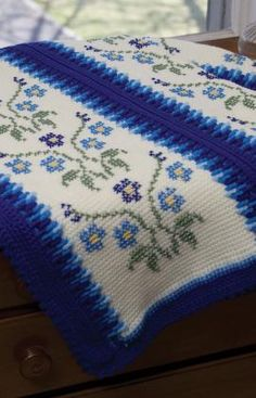 Morning Glory Afghan | AllFreeCrochetAfghanPatterns.com