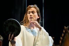 Pieces of Arendil: David Tennant PotW #12: Richard II http://piecesofarendil.blogspot.it/2013/12/david-tennant-potw-12-richard-ii.html