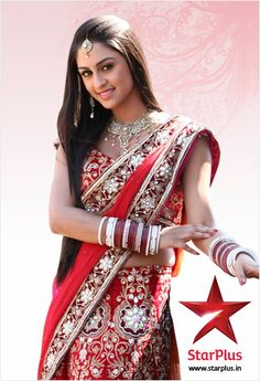 Jeevika looks stunning in whatever she wears. She is mostly seen wearing bright coloured salwar-kurtis and sarees. Sarees gives her an amazing look.