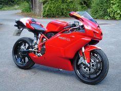 Another view of the Ducati 999s, Ducati Superbike, Ducati Cafe Racer, Ducati Motorcycles, Cafe Racers, Best Motorbike, Bike Life, Motorbikes, Vehicles