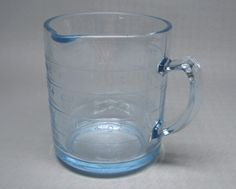 vintage FIRE KING one cup measuring cup in blue oven glass depression kitchen Vintage Baking, Vintage Kitchen, Vintage Fire King, Antique Glassware, Breakfast In Bed, Glass Dishes, Measuring Cups, Mugs, Mug