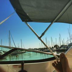 Dia lindo. Sol quente. Mar de Almirante. Dia perfeito para um passeio de barco com a Cielo e Mare! #cieloemaretur #riodejaneiro #marinadagloria #rio2016