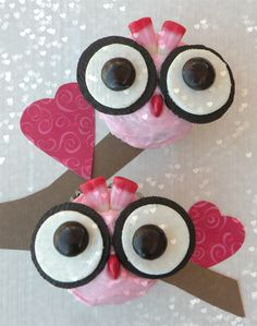 Valentine Owl Cupcakes~this is my next project for Hannah's birthday:) She is crazy about owls:) Hopefully they will be easier than the Angry Bird ones I made for Nate.
