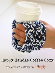 Crochet Gift Ideas The Happy Handle Coffee Cozy is the perfect gift for any coffee lover - because a gift card fits right in! Get the free Crochet Coffee Cozy, Crochet Cozy, All Free Crochet, Love Crochet, Cozy Coffee, Morning Coffee, Crochet Bunny, Tunisian Crochet, Quick Crochet Gifts