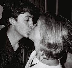 Linda and Paul McCartney Spooky Tooth, Ronnie Lane, My Love Paul Mccartney, Linda Eastman, Eric Burdon, Marianne Faithfull, Les Beatles, Joe Cocker, Sir Paul