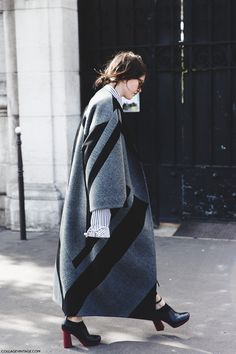 streetstyle, oversized coats, patterns, grey, statement sleeves, winter dressing