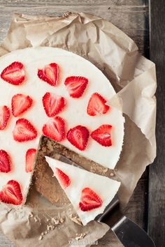 Cake with Bavarian cream, Sparkling Wine Jelly and Strawberries
