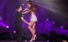 Ariana Grande surprised her fans in Miami when Justin Bieber arrived for a performance on her 'Honeymoon Tour'. Ariana And Justin, Justin Hailey, Ariana Grande Legs, Ariana Grande Pictures, Justin Bieber 16, Fanfiction, Ariana Grande Music Videos, Wattpad, Dangerous Woman