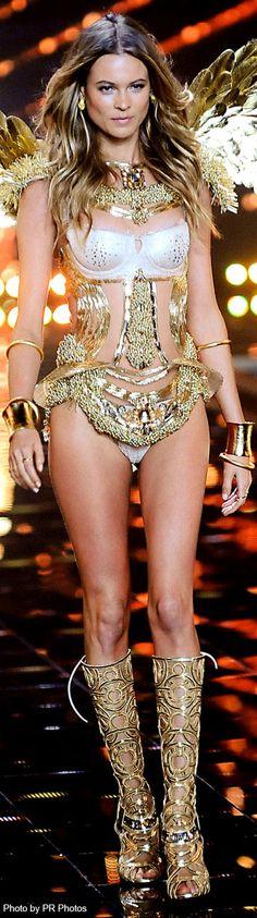 Behati Prinsloo – 2014 Victoria's Secret Fashion Show