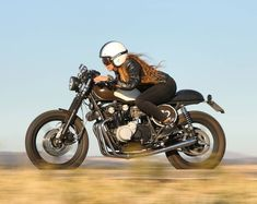 from The Litas Madrid wears a and rides a Suzuki Katana 550 from What do you think? shot by for . Style Cafe Racer, Cafe Racer Girl, Cafe Racer Build, Motorcycle Memes, Cafe Racer Motorcycle, Biker Chick, Biker Girl, Gs500, Chicks On Bikes