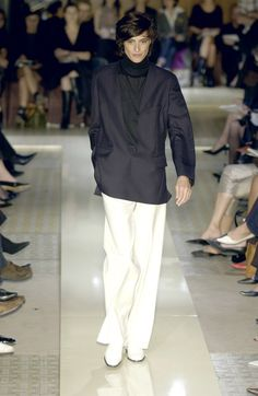 Hermès at Paris Fashion Week Spring 2002 - Runway Photos