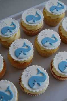 Pretty whale cupcakes for boys party Whale Cupcakes, Kid Cupcakes, Animal Cupcakes, Cupcake Cookies, Baby Shower Desserts, Baby Shower Cupcakes, Shower Cakes, Baby Boy Shower, Frozen Candy Table
