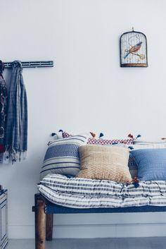 Découvrez la collection chic et élégante de Jamini by Usha Bora - Inspiration bohème, savoir-faire, tissage main, produit lifestyle, coussins, tapis, sur-matelas. Photo Vanessa Pouzet #jaminifan