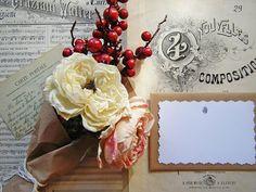 Lettera in stile vintage retrò realizzata a mano con carta pacco e cartoncino. Handmade letter.