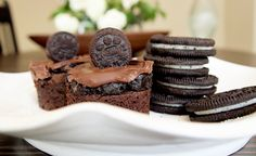 Mini Oreo Truffle Brownies from Pretty Girl Food look absolutely amazing!