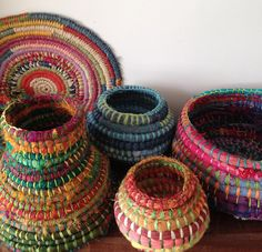 Fabric Coiled Baskets Workshop – Little Lane Tie Dye Crafts, Rope Crafts, Yarn Crafts, Sewing Crafts, Rope Basket, Basket Weaving, Weaving Loom Diy, Braided Rag Rugs, Weaving Wall Hanging