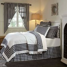 Annie Buffalo Black Check Twin Quilt 86 x 68 from VHC Brands (Victorian Heart). The Annie Buffalo Check Quilt is a modern farmhouse look that pays homage to cla Primitive Bedroom, Country Primitive, Primitive Curtains, Primitive Homes, Primitive Furniture, Primitive Antiques, Country Furniture, Primitive Bathrooms, Primitive Kitchen